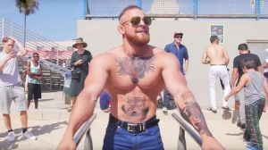 A Heavyweight Conor McGregor Impersonator Pranks Crowds at Muscle Beach